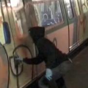VIDEO - NEW SEE HG MPV PARIS SUBWAY VIDEO