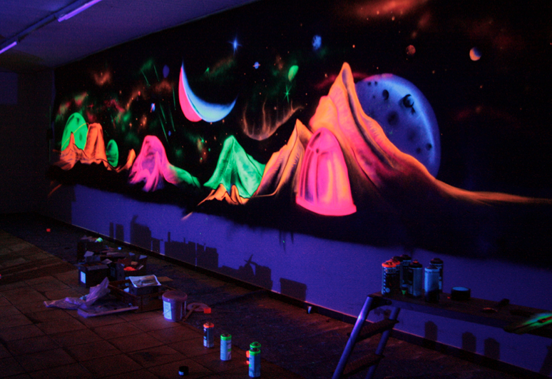 Painting with Neon colors | LECTRICS