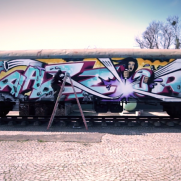 VIDEO - RAZOR x COS  painting the Molotow train